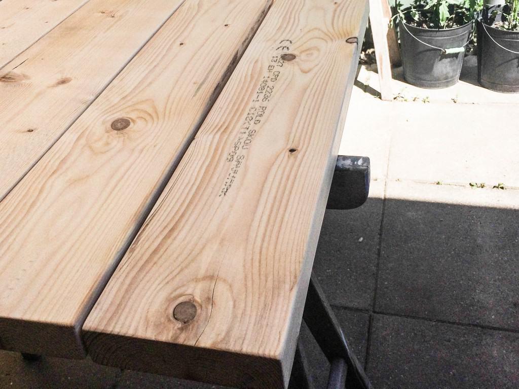 Guide: plankebord med drivtømmer look   sådan laver du det selv
