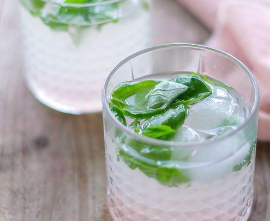rabarberdrink - sjus - cocktail
