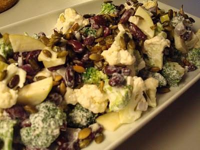 vitaminbombe-salat-med-marineret-kalkunstrimler