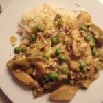 kylling-i-garam-marsalasauce-med-aerter-og-chutney