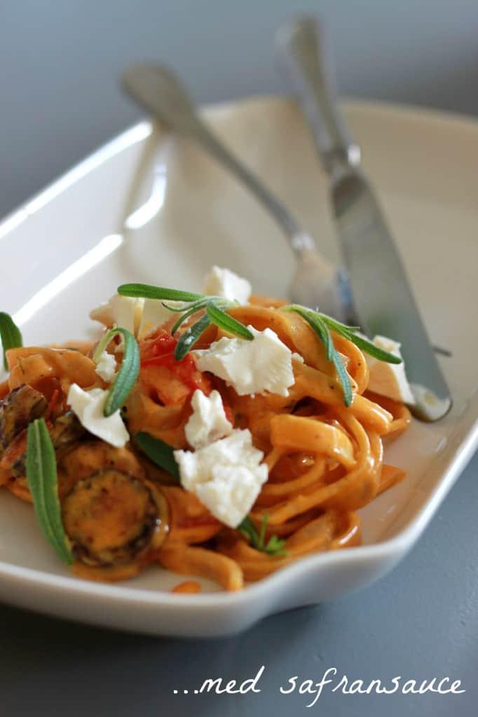 Frisk pasta med SAFRANSAUCE og CHORIZO