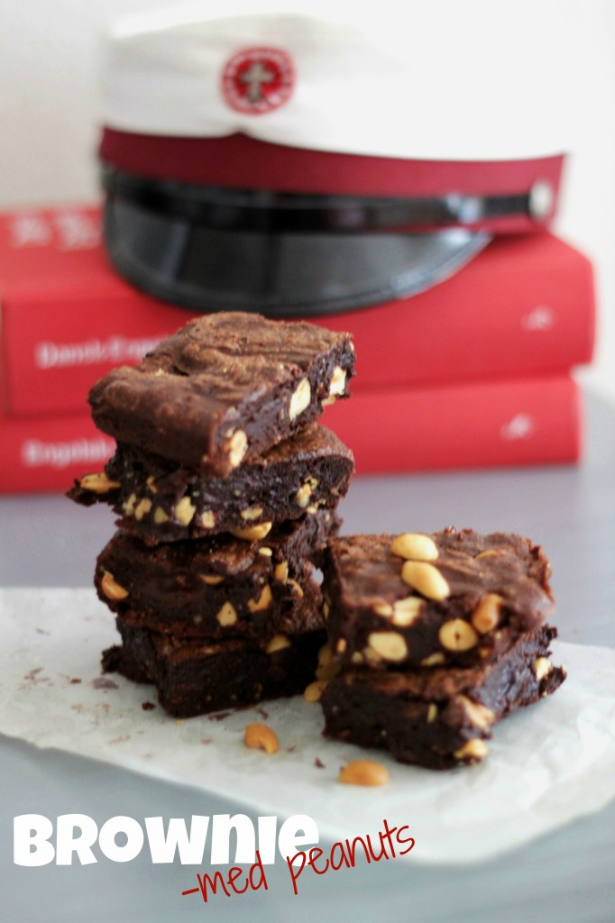 Brownie With Salted Peanuts – The American Way!