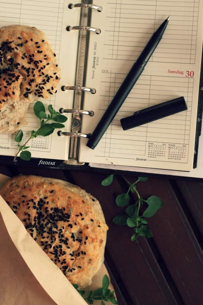 Grove madpakkeboller med hytteost og krydderurter