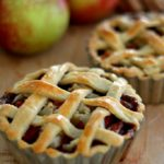 Apple pie - opskrift på amerikansk æbletærte med flettet låg