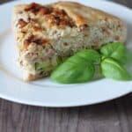 Grov tærte med løg, bacon og ost