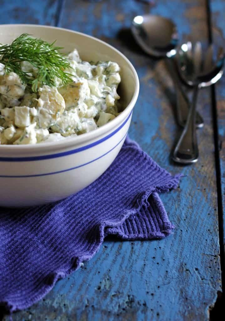 Luksus kartoffelsalat med glaskål og blomkål
