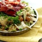 Mættende salat med marinerede butterbeans, svampe og spidskål
