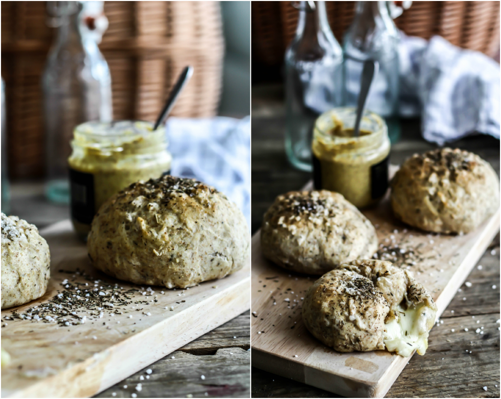Grove brød med mozzarellakugler, timian og sennep