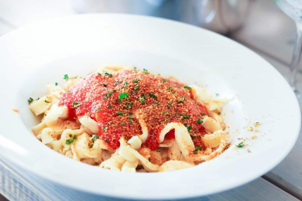 Bloody Mary Linguine / Tomat-vodkasauce med frisk (hjemmelavet) pasta