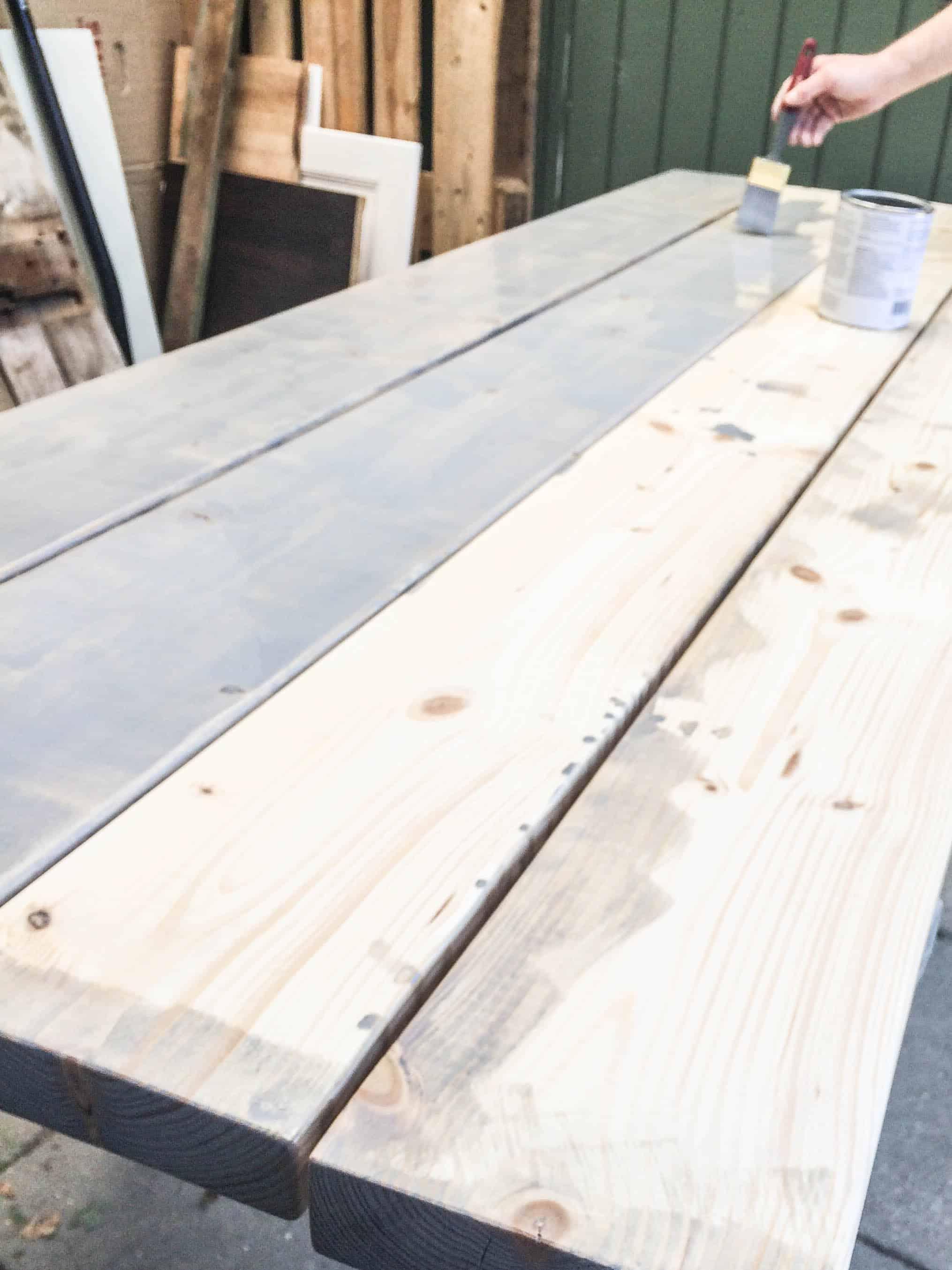 Guide: Plankebord med drivtømmer look - sådan laver du det selv