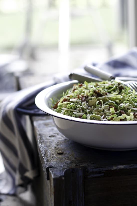Opskrift Rosenkålsalat med bacon og appelsindressing - Louiogbearnaisen - nemme opskrifter (1)
