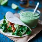 tortilla med laks og ærtehumus - mexicansk mad - opskrift (1)
