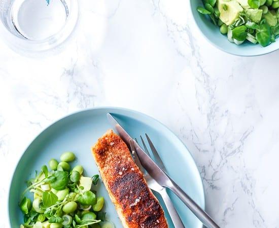 stegt laks med avocadosalat - laks med krydderier - fiskeopskrift (1)