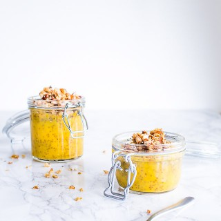 chia grød med mango og kokos - opskrift på sund chiagrød
