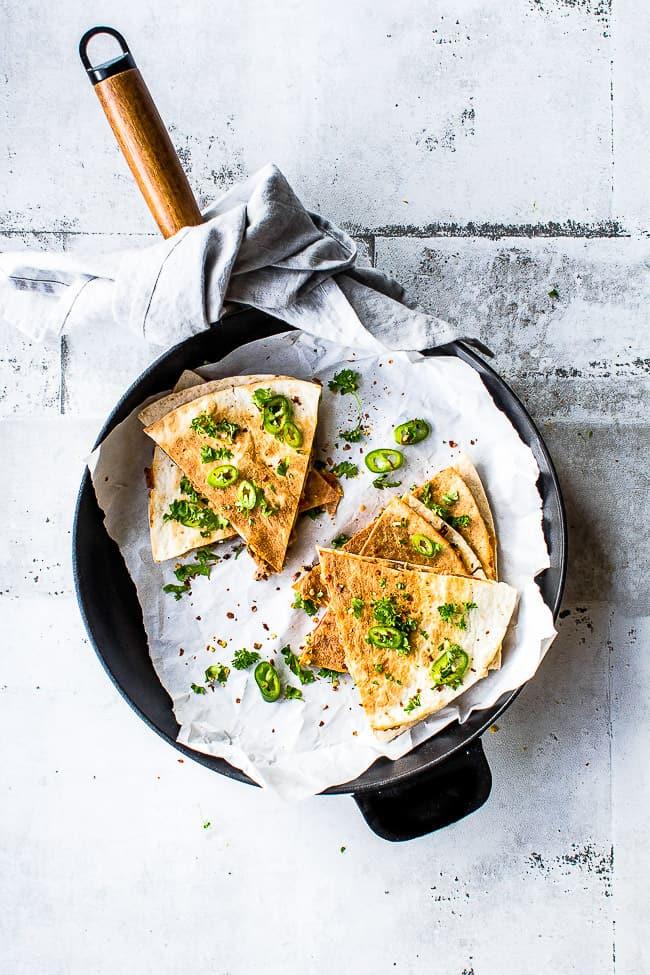 Quesadillas med chipotle pulled pork og tomatsalsa- Opskrift quesadillas