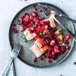 sund-fiskeopskriftt-med-laks-roedbede-tilbehoer-til-stegt-laks-nem-ret-med-laks og grøntsager