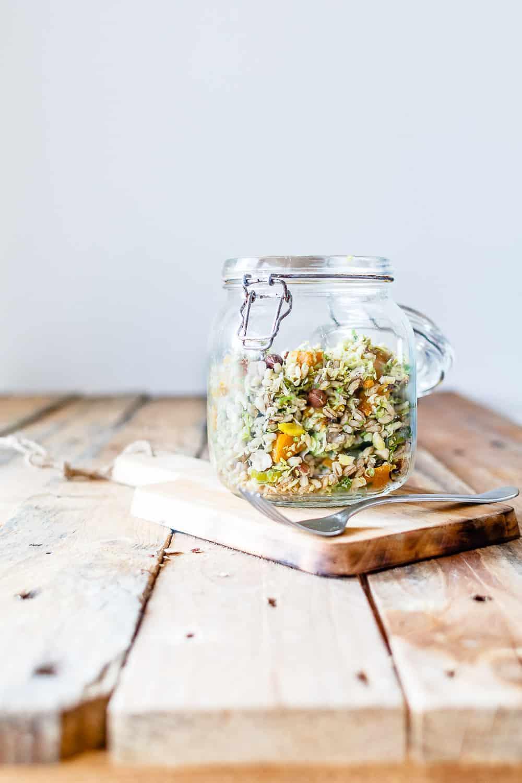 salat med pelebyg, græskar og rosenkål - nem salat opskrift