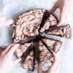 chokoladekage med marengs - opskrift på dessert kage (1)