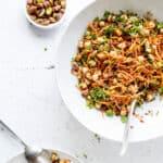 Marokkansk salat med kikærter, gulerødder og quinoa