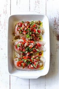 Bagt kylling med hjemmelavet salsa (Pico de Gallo, Salsa Fresca) - mexicansk mad - opskrift med kylling