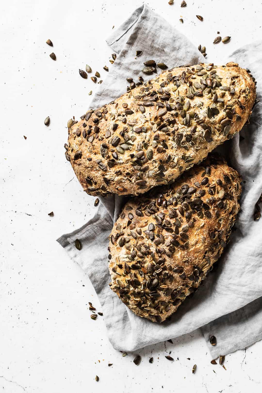 Græskarkernebrød - opskrift på brød med græskarkerner