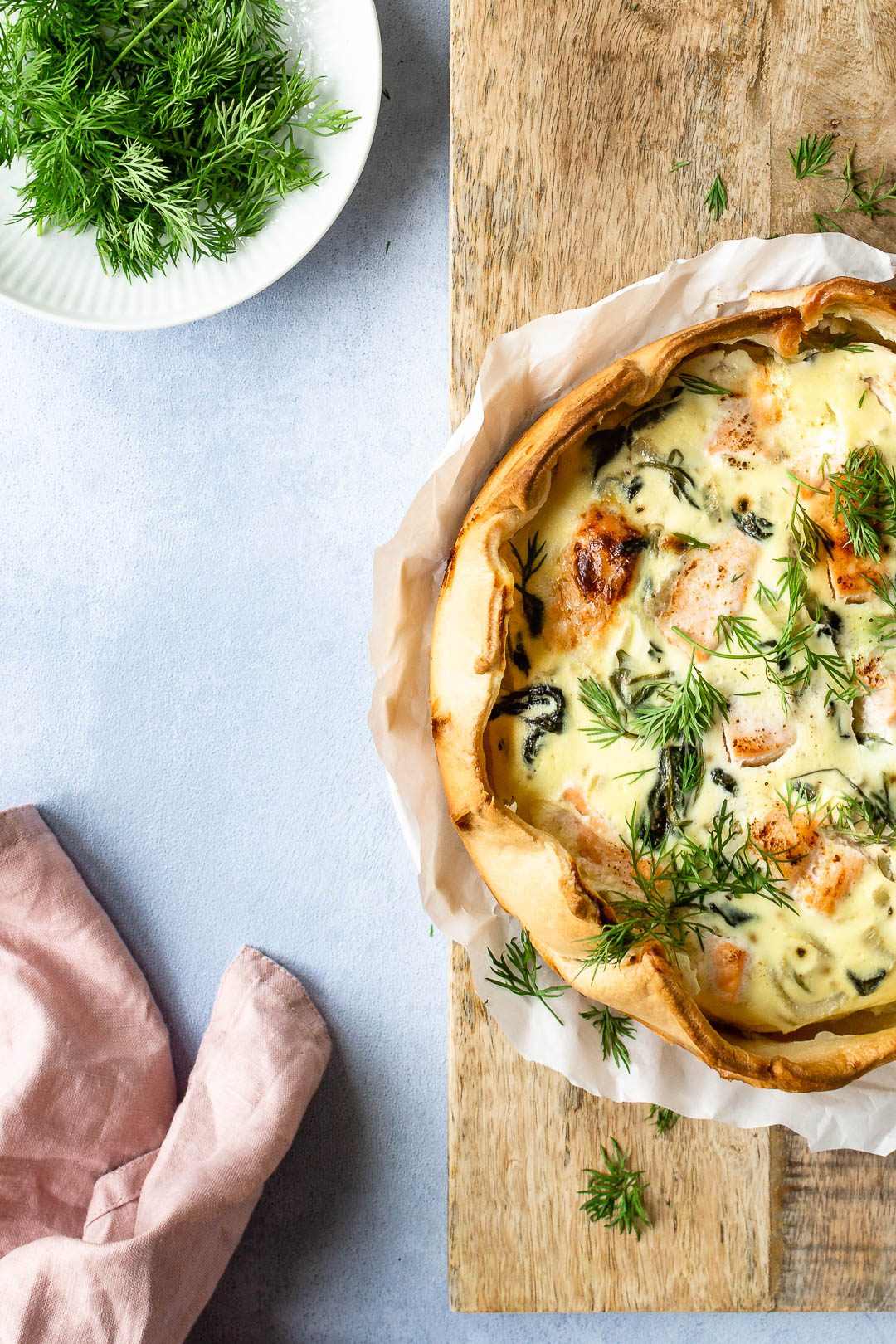 Tærte med laks, spinat og fennikel - opskrift på hjemmelavet tærte