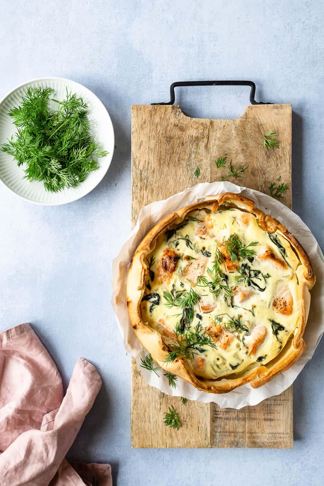 Tærte med laks, spinat og fennikel