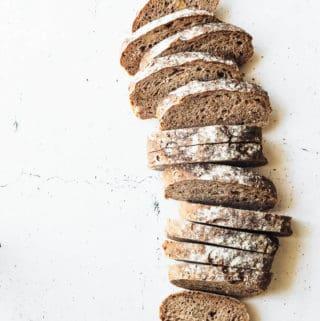 Valnøddebrød med porter - opskrift på brød med valnødder