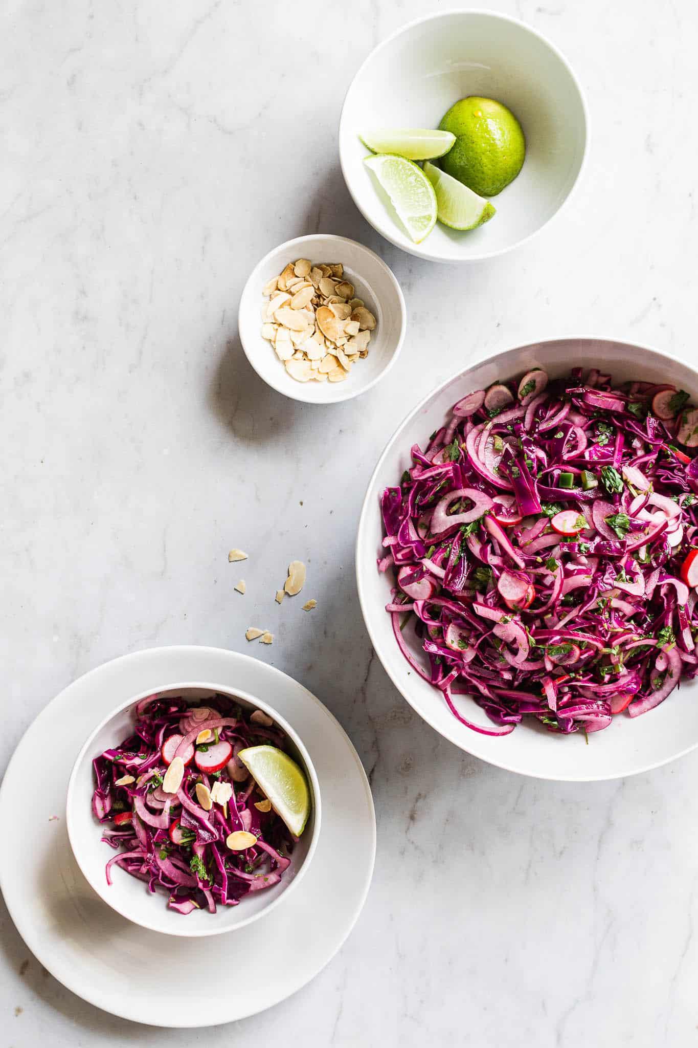 Salat med spidskål – frisk, syrlig og spicy