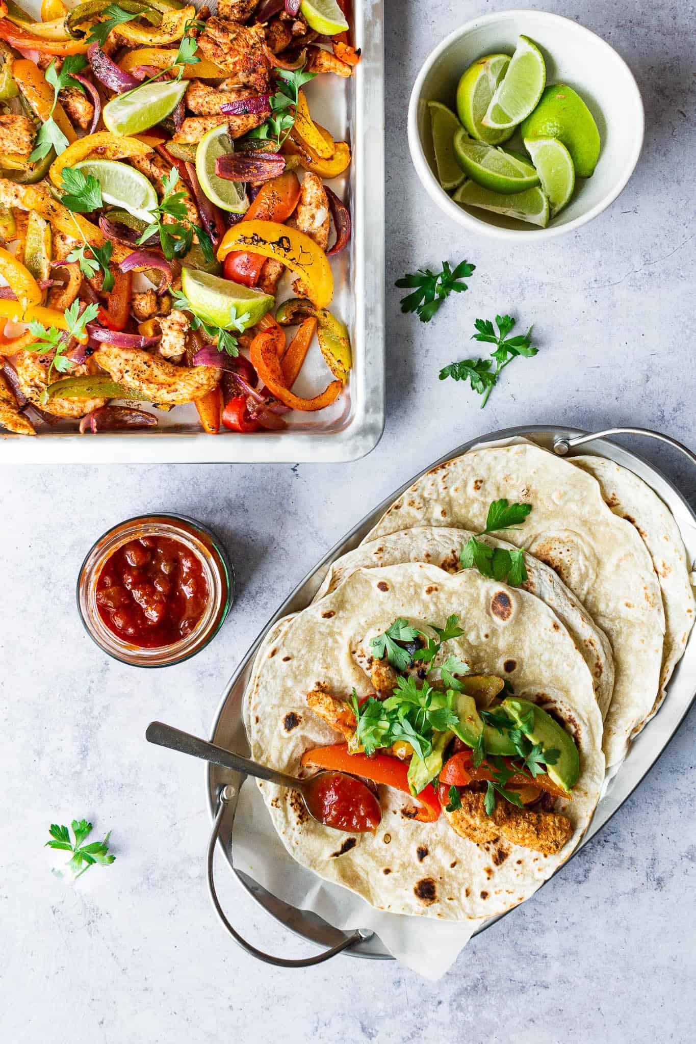 Fajitas med kylling og peberfrugt - opskrift på mexicansk mad