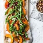 Honning bagte hokkaido græskar i ovnen - græskar salat med nødder og granatæble
