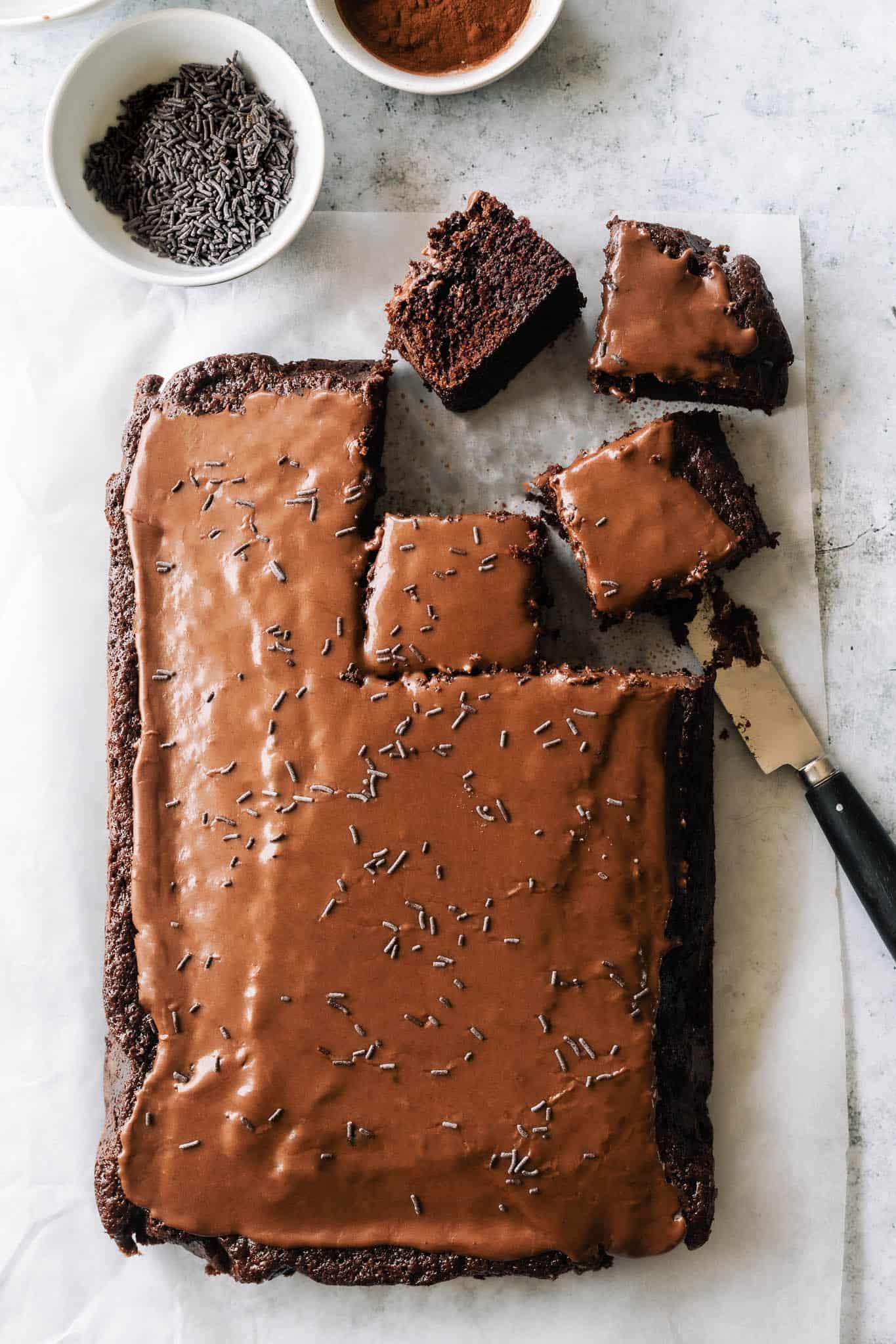 Chokoladekage - opskrift på den bedste chokoladekage med glasur